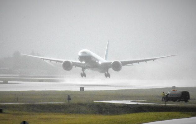 Décollage du Boeing 777X