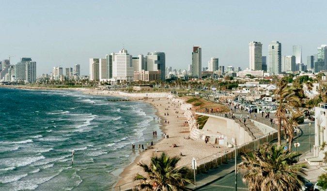 Une vue aérienne de Tel Aviv et de sa côte en Israël